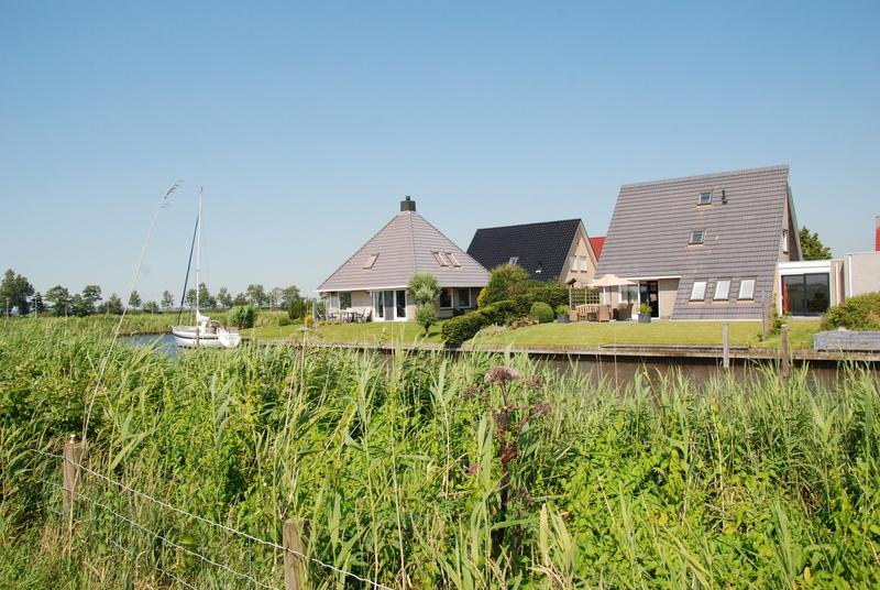 koudum-vakantiehuis-aan-het-water-in-het-dorp_23179